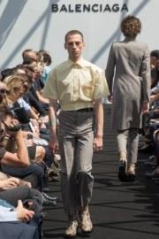 Balenciaga Spring 2017 Menswear Look 10