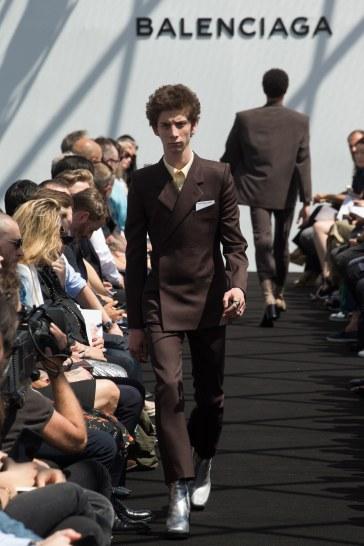 Balenciaga Spring 2017 Menswear Look 12