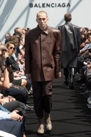Balenciaga Spring 2017 Menswear Look 14