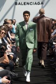 Balenciaga Spring 2017 Menswear Look 15