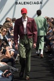 Balenciaga Spring 2017 Menswear Look 16