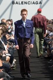 Balenciaga Spring 2017 Menswear Look 17