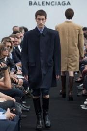 Balenciaga Spring 2017 Menswear Look 2