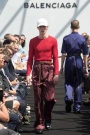 Balenciaga Spring 2017 Menswear Look 21