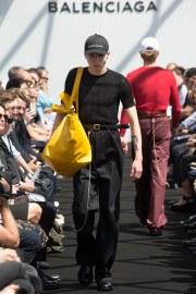 Balenciaga Spring 2017 Menswear Look 22