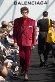 Balenciaga Spring 2017 Menswear Look 23