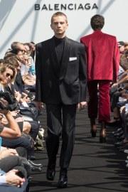 Balenciaga Spring 2017 Menswear Look 24