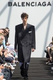 Balenciaga Spring 2017 Menswear Look 28