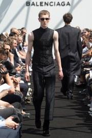 Balenciaga Spring 2017 Menswear Look 29