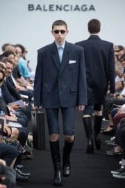Balenciaga Spring 2017 Menswear Look 3