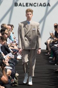 Balenciaga Spring 2017 Menswear Look 5