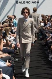 Balenciaga Spring 2017 Menswear Look 8