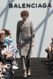 Balenciaga Spring 2017 Menswear Look 9