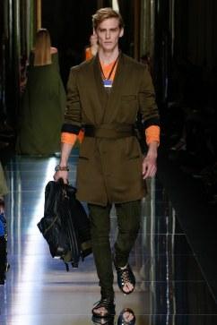 Balmain Spring 2017 Menswear Look 18