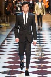 Dolce & Gabbana Spring 2017 Menswear Look 11