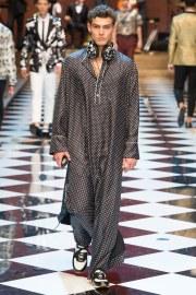 Dolce & Gabbana Spring 2017 Menswear Look 16