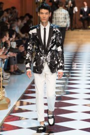 Dolce & Gabbana Spring 2017 Menswear Look 17