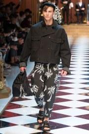 Dolce & Gabbana Spring 2017 Menswear Look 23