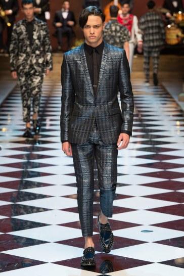 Dolce & Gabbana Spring 2017 Menswear Look 25