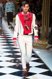 Dolce & Gabbana Spring 2017 Menswear Look 27