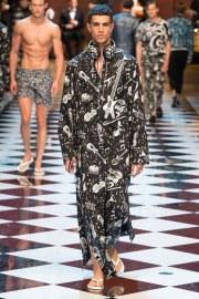 Dolce & Gabbana Spring 2017 Menswear Look 28