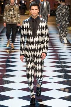 Dolce & Gabbana Spring 2017 Menswear Look 31