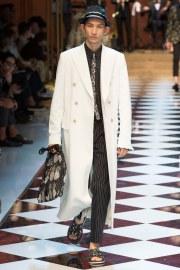 Dolce & Gabbana Spring 2017 Menswear Look 35