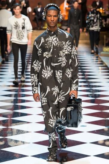 Dolce & Gabbana Spring 2017 Menswear Look 52