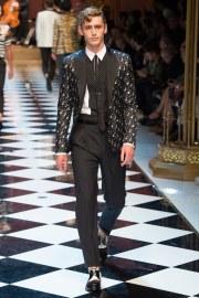 Dolce & Gabbana Spring 2017 Menswear Look 63