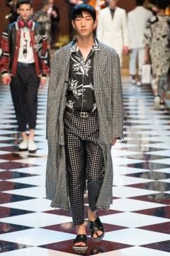 Dolce & Gabbana Spring 2017 Menswear Look 7