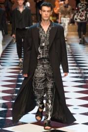 Dolce & Gabbana Spring 2017 Menswear Look 73