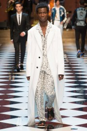 Dolce & Gabbana Spring 2017 Menswear Look 82