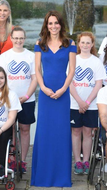 Kate Middleton in Roland Mouret Resort 2016
