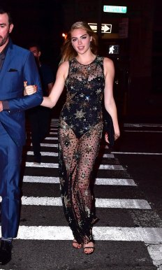 Kate Upton in Jenny Packham Fall 2016-1