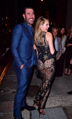 Kate Upton in Jenny Packham Fall 2016-2