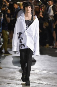 Raf Simons Spring 2017 Menswear Look 32