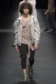 Versace Spring 2017 Menswear Look 15