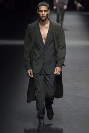Versace Spring 2017 Menswear Look 2