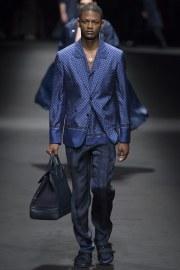 Versace Spring 2017 Menswear Look 24