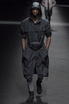 Versace Spring 2017 Menswear Look 31