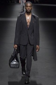 Versace Spring 2017 Menswear Look 33