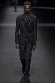 Versace Spring 2017 Menswear Look 43
