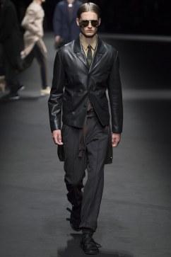Versace Spring 2017 Menswear Look 5