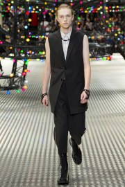 Dior Homme Spring 2017 Menswear Look 11