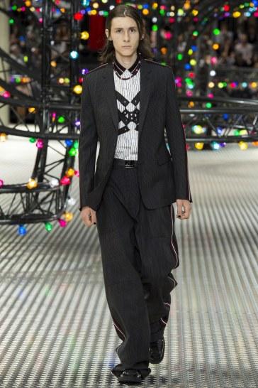 Dior Homme Spring 2017 Menswear Look 13