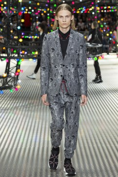 Dior Homme Spring 2017 Menswear Look 18
