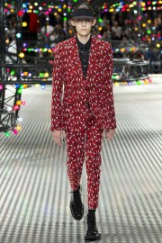 Dior Homme Spring 2017 Menswear Look 23