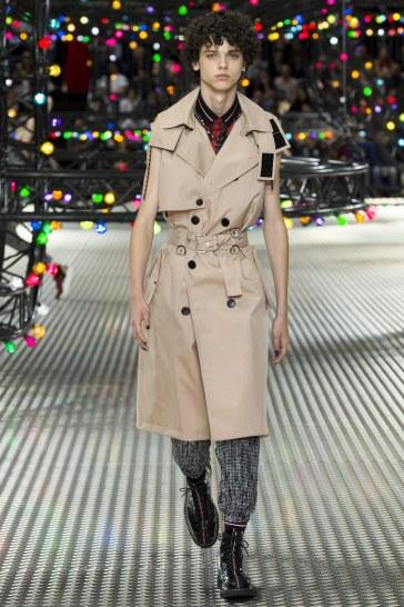 Dior Homme Spring 2017 Menswear Look 38