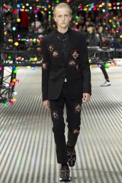 Dior Homme Spring 2017 Menswear Look 44