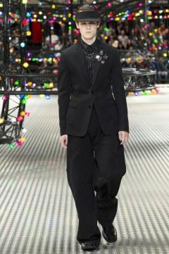 Dior Homme Spring 2017 Menswear Look 45